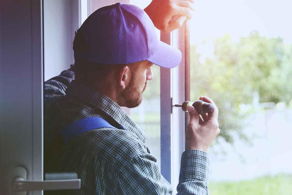 Ihr Spezialist für Fensterreparaturen in München