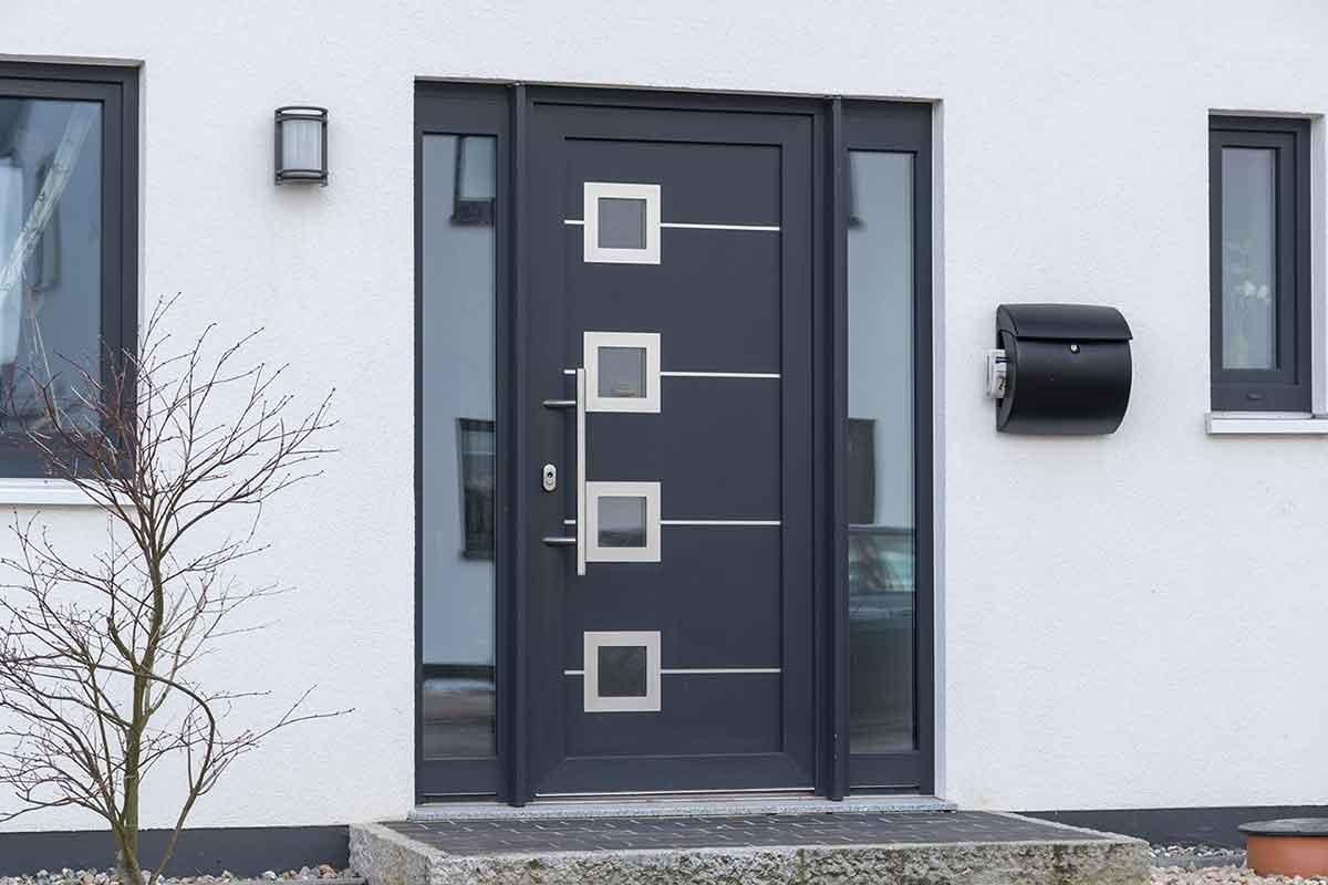 Reparaturen an Haus- und Nebeneingangstüren
