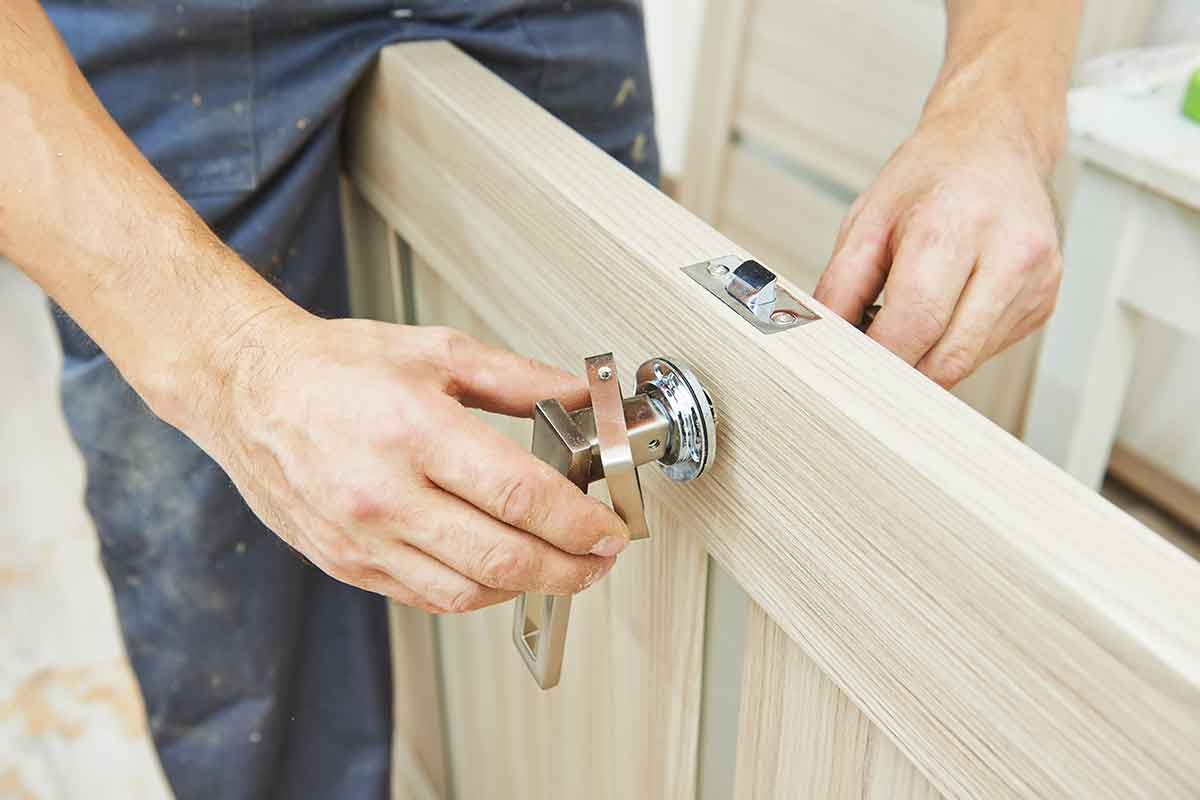 Setzen Sie auf eine kompetente Tür-Reparatur durch KBK München